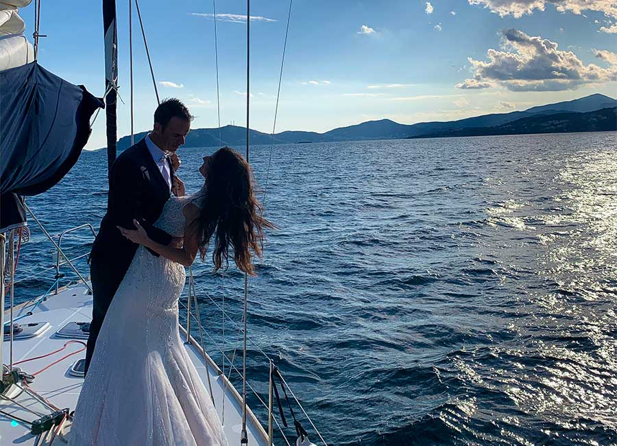 Special event cruise wedding photography on sailboat Kavala.