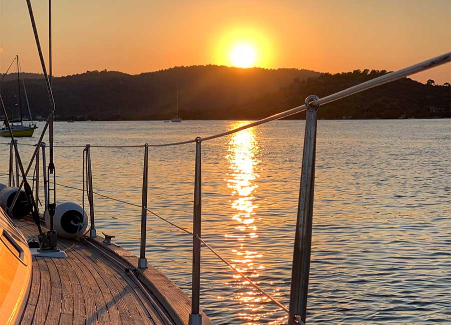 Sunset cruise with sailboat in Kavala and Thasos.